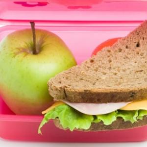 Lón Scoile / School Lunch