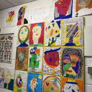 Ealaín – Portráidí Picasso 👁👄👃🏻👁